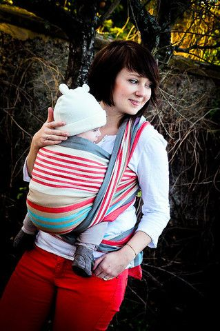 Black for babies 7.7-44lbs MOBY ARIA All Season Ergonomic Baby Carrier